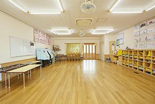 明るく環境のよい以上児保育室
